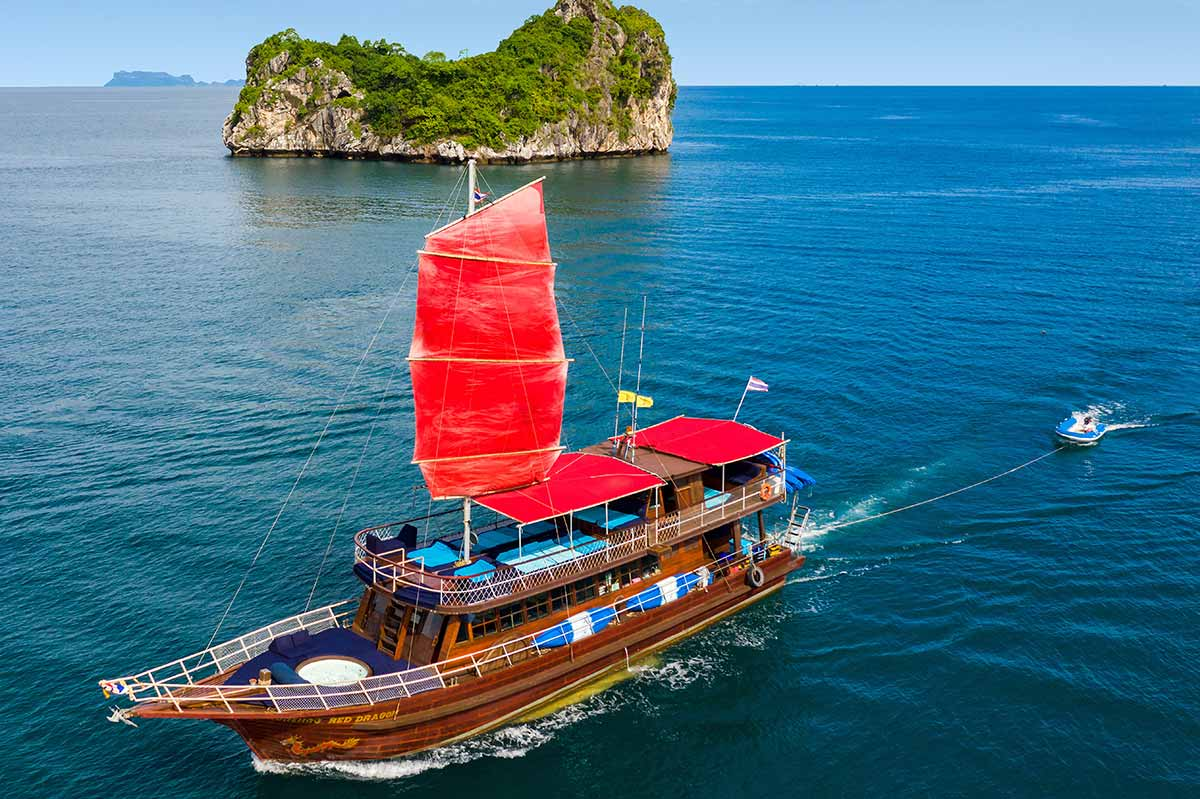 Island Hopping Snorkelling Private Charter Red Yacht 01